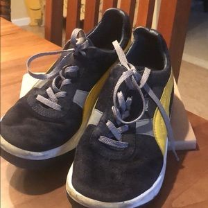 Puma sneakers boys navy and yellow